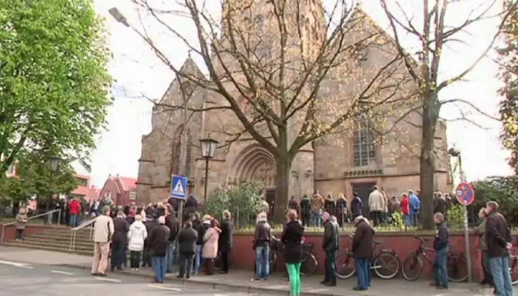 Karfreitag in Meppen: Traditioneller Prozessionsmarsch durch die Stadt