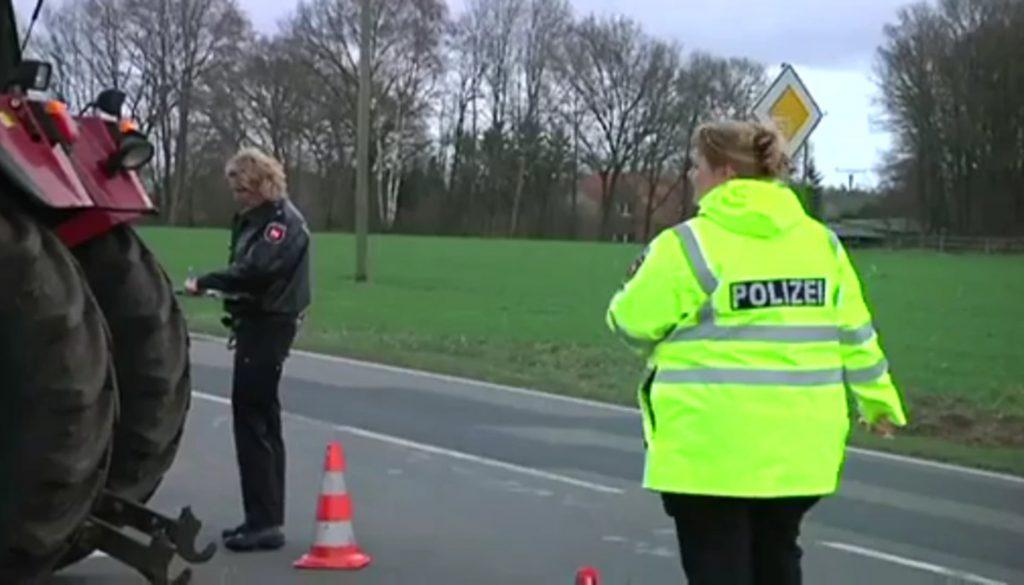 Unfälle am Wochenende - Motorradfahrer schwer verletzt, Güllelaster in Flammen