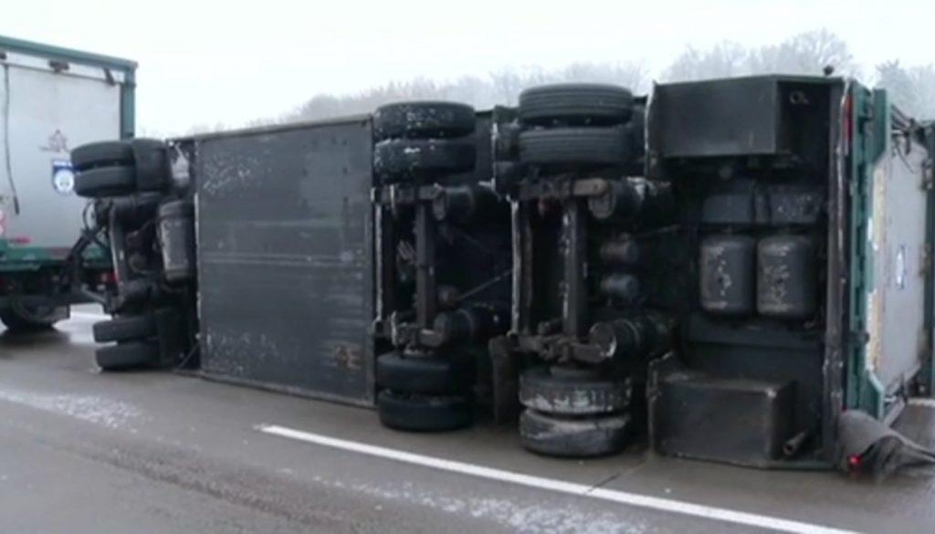 Gefährlicher Eisregen: Zahlreiche Unfälle auf den Straßen