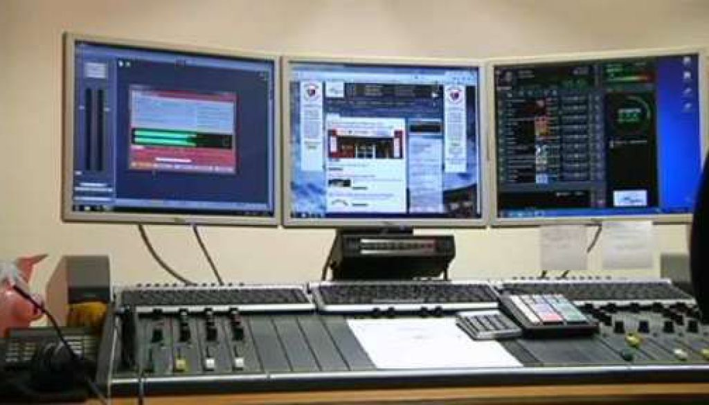 """Radiozuhörer sammeln Geld für """"Hits for Help"""""""