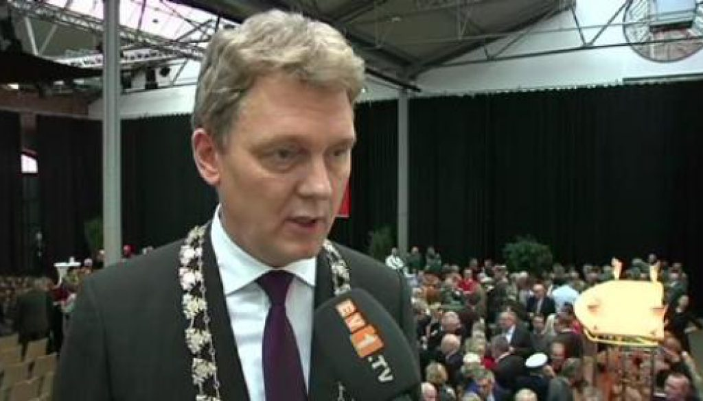 Lingens Oberbürgermeister Krone ruft zur Anti-Pegida-Demo auf