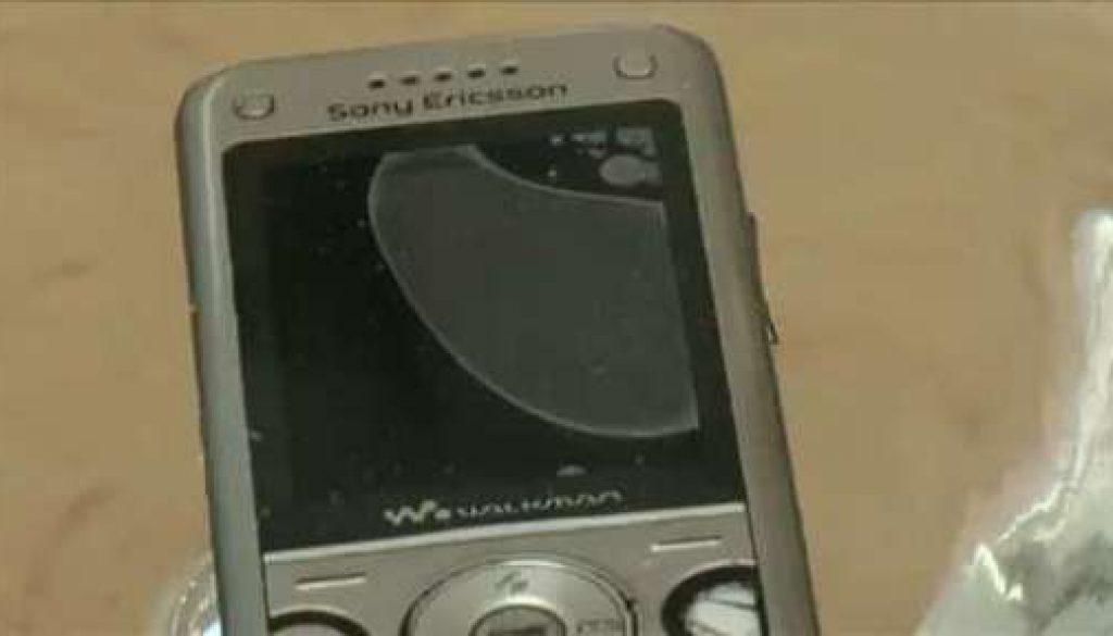 Jugendlicher will Teich abpumpen um an sein Handy zu gelangen - Ist das möglich?
