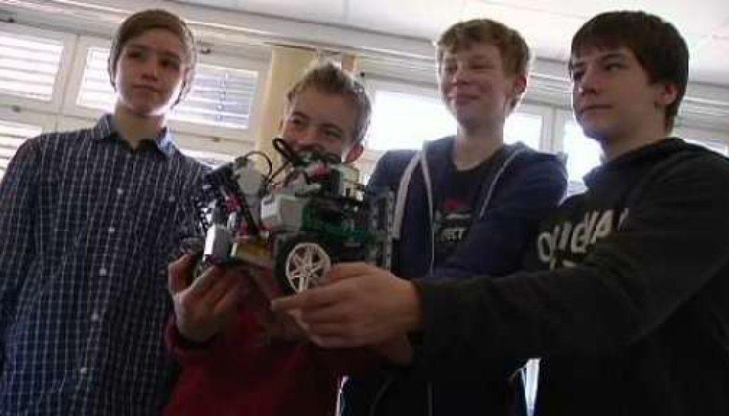 Roboter und Mini PC´s - Erlebbare Technik am Franziskusgymnasium Lingen