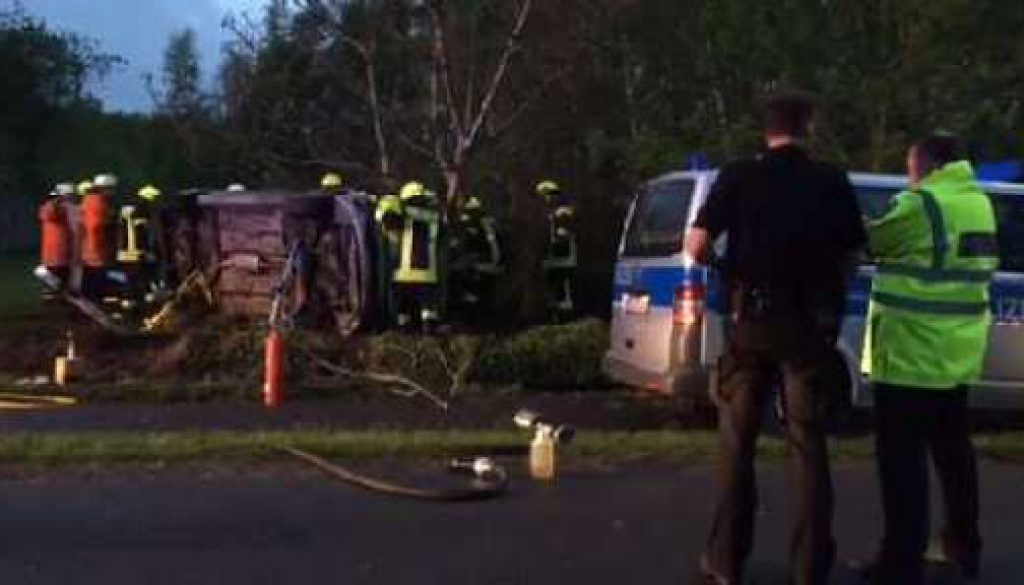 Flucht vor der Polizei endet mit schwerem Unfall