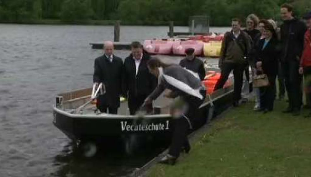 Ein neues Boot schippert Gäste über die Vechte in Nordhorn