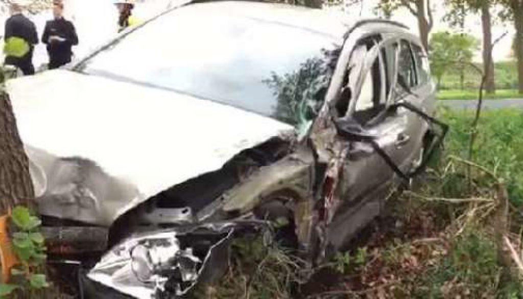 B213 nach Unfall gesperrt
