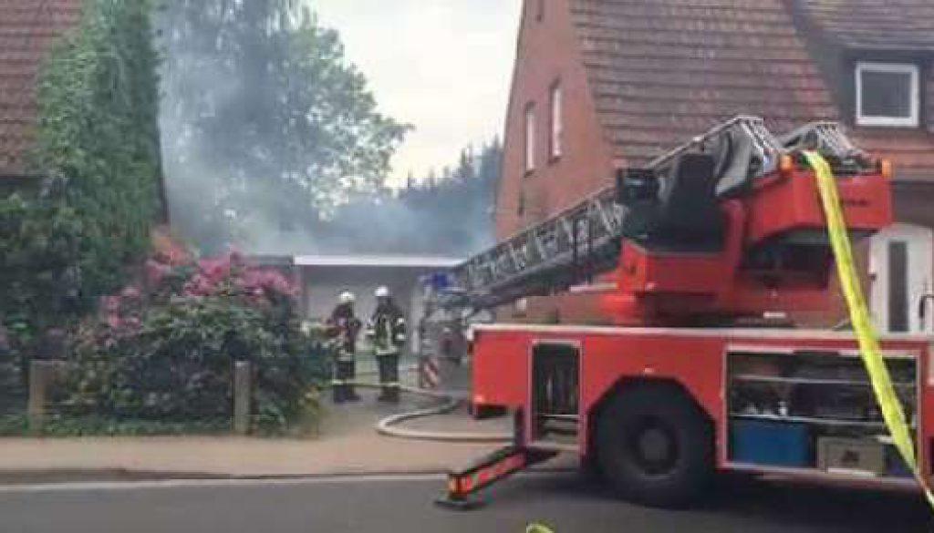 Hausanbau brennt in Lingen