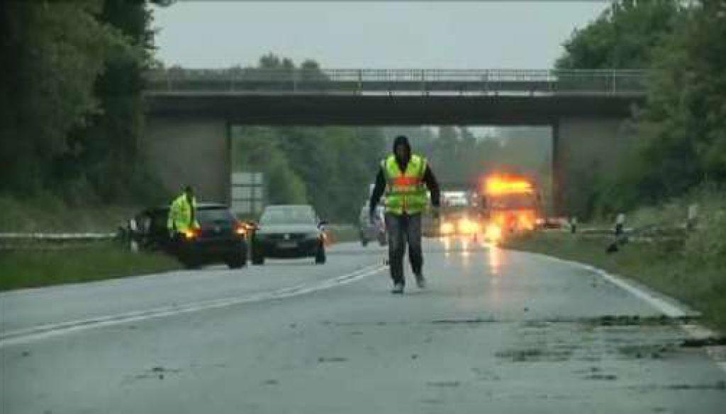B70 nach Unfall in Lingen gesperrt - Zwei Verletzte