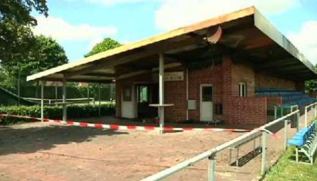 Brand zerstört Vereinsheim des SuS Rhede