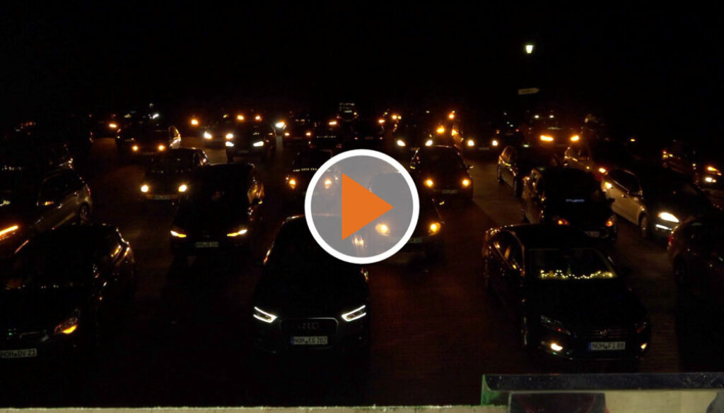 Screen_Weihnachtsfest im Auto