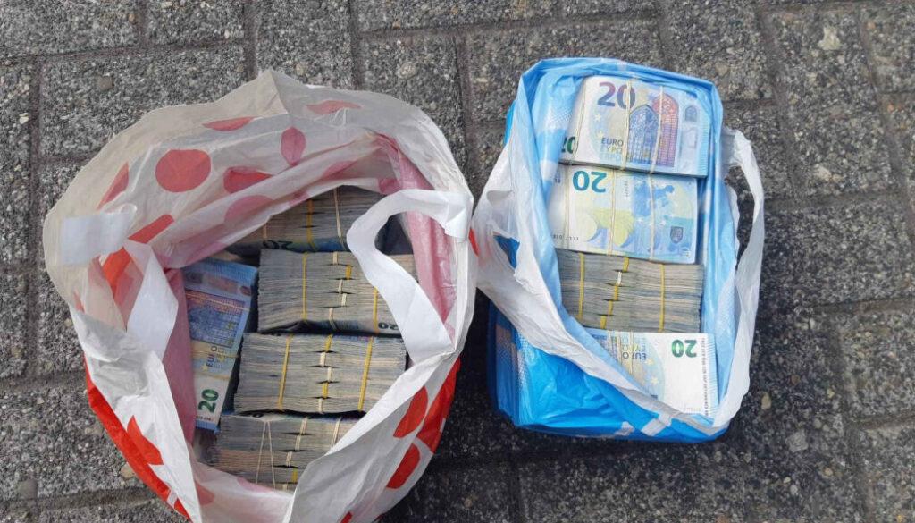Screen_21 04 22 Eine halbe Million Euro in Plastiktueten