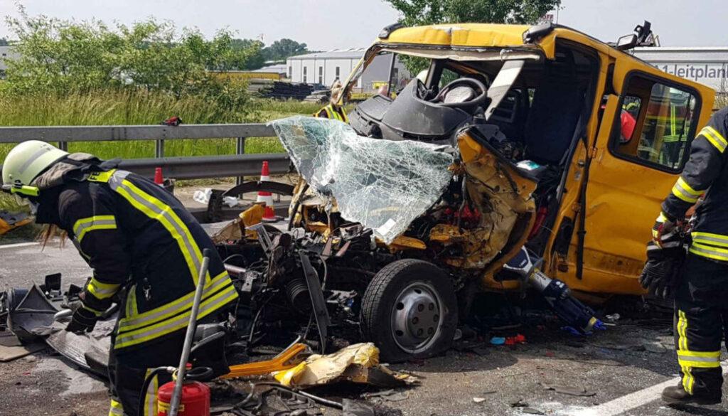 Screen_21 06 09 Schwerer Verkehrsunfall mit Hubschrauber