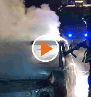 Auto geht in Flammen auf_Screen