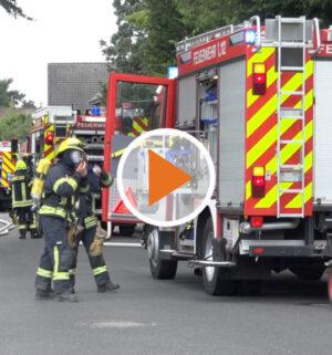 Screen_Holzschuppen in Flammen