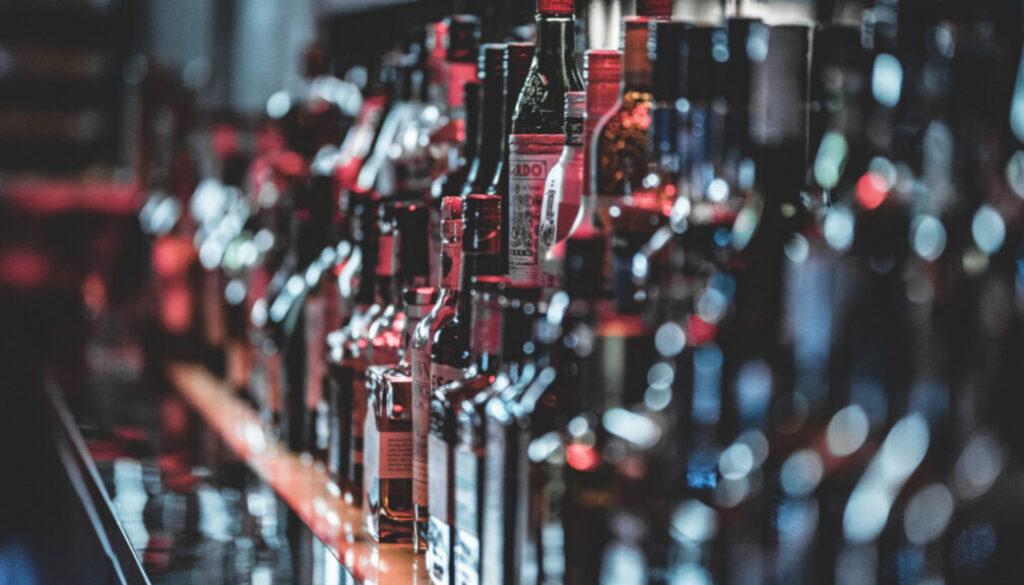 Screen_flaschen_close_alkohol