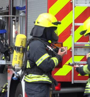 screen_Holzschuppen in Brand geraten