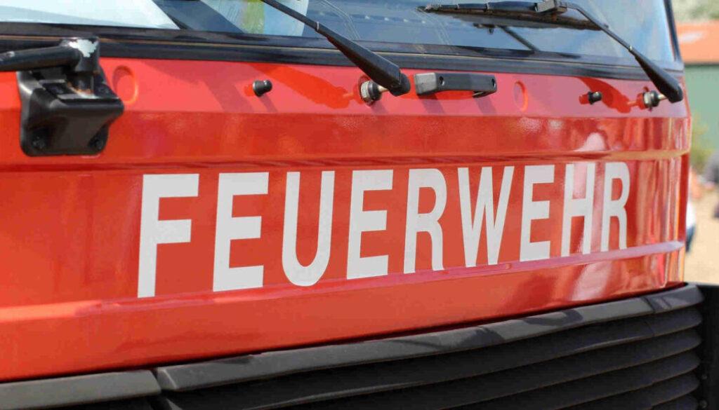 symbol_screen_feuerwehr_wagen_schrift